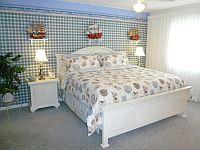 Master Schlafzimmer, Bett im King-Size-Format. KLICK aufs Bild vergroessert es. Spaeter grosses Bild schliessen mit (x).