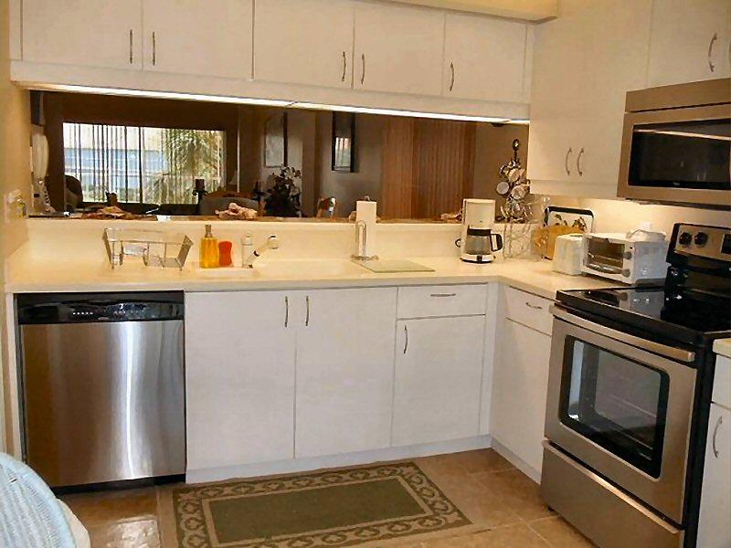 comlampe wohnzimmer modern ~ raum haus mit interessanten ideen - Durchreiche Kuche Wohnzimmer Modern